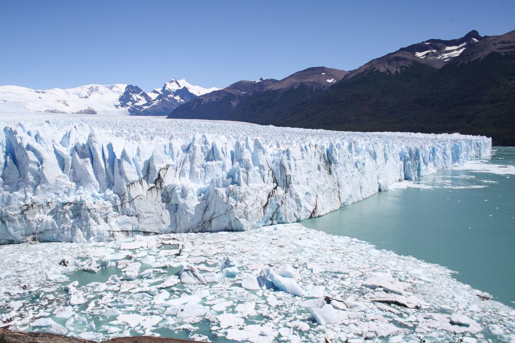 Wüste, Gletscher und Moais
