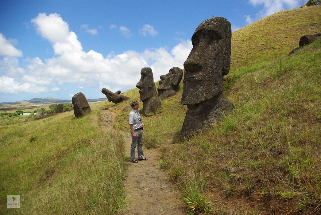 Moai-Werkstatt am Vulkan Rano Raruka